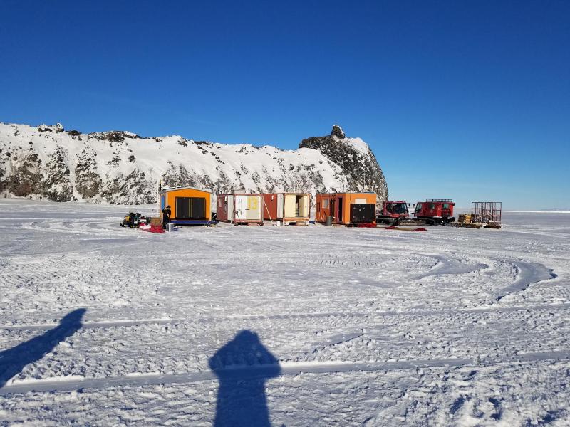 Camp_filling_snow